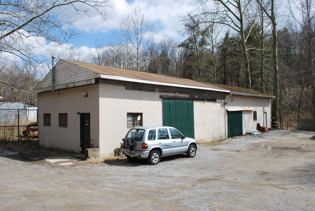 Warehouse garage and large lot two units camp horne rd for Large garage for sale